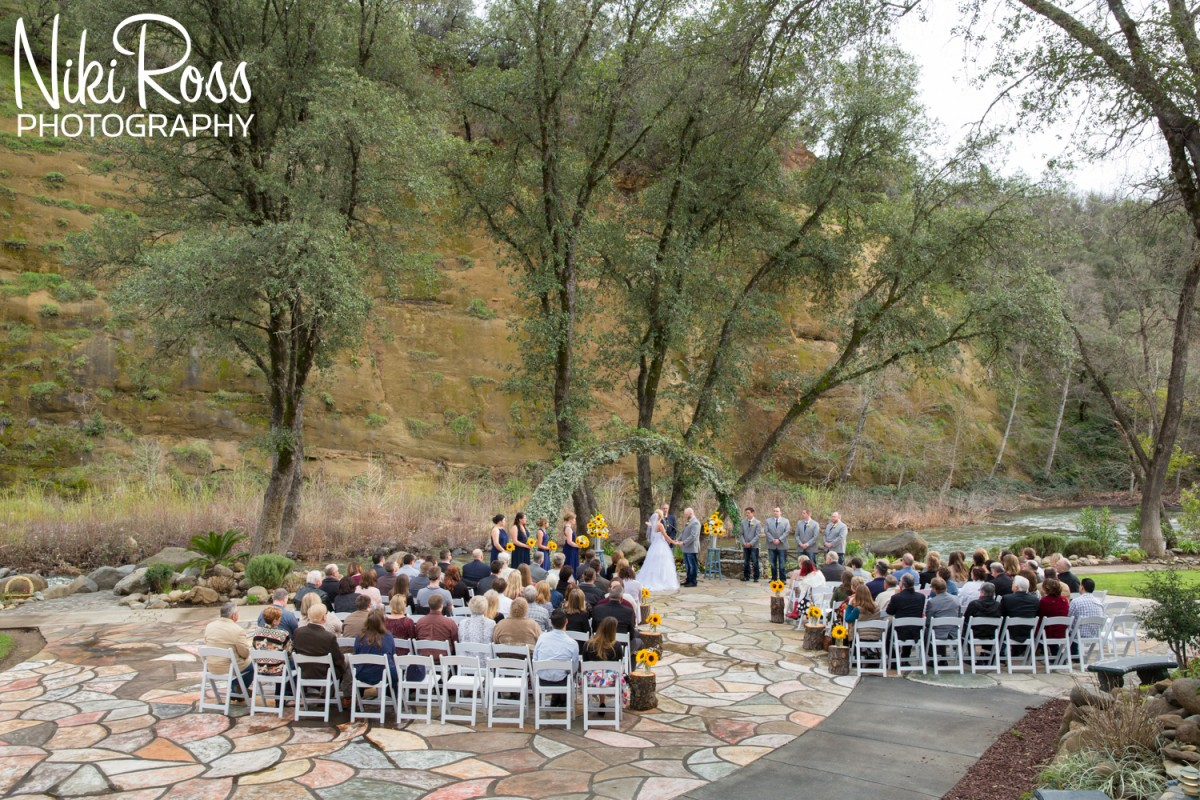 Wedding at Centerville Estates in Chico, CA - http://nikirossphotography.com