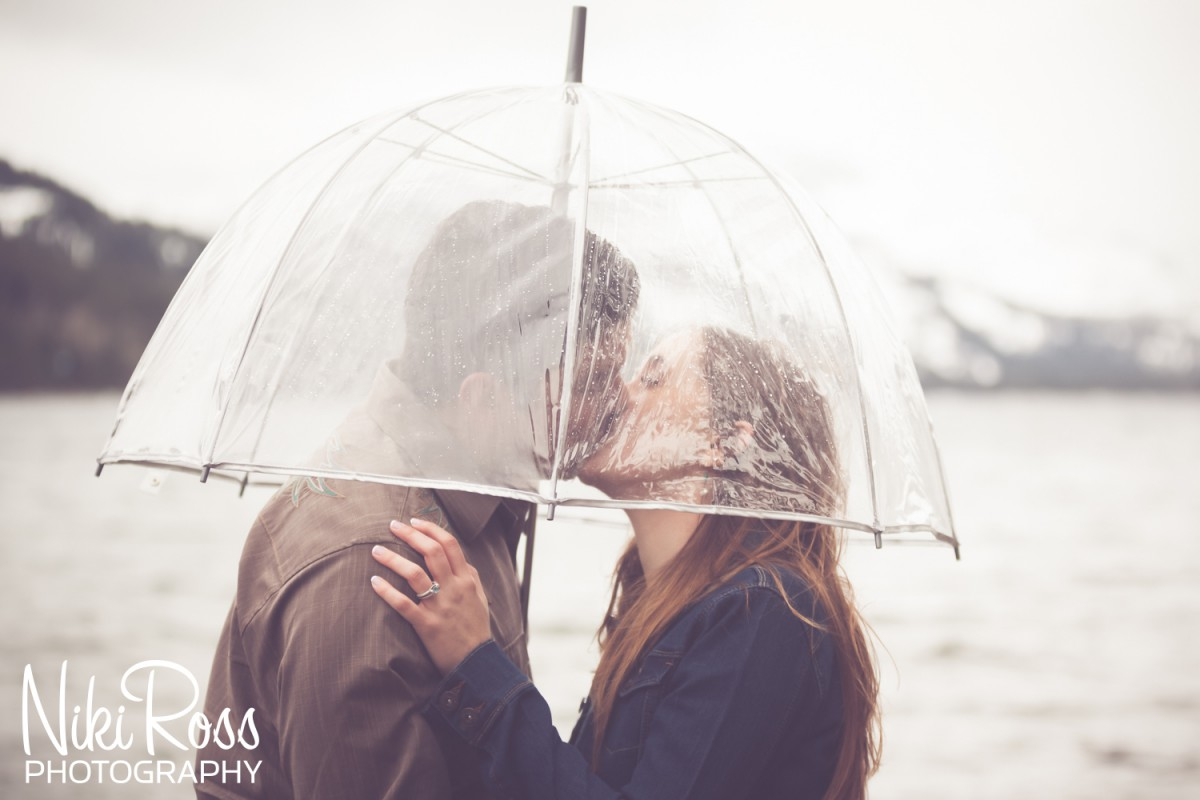 Truckee Engagement Session. Rainy day engagement session at Donner Lake.
