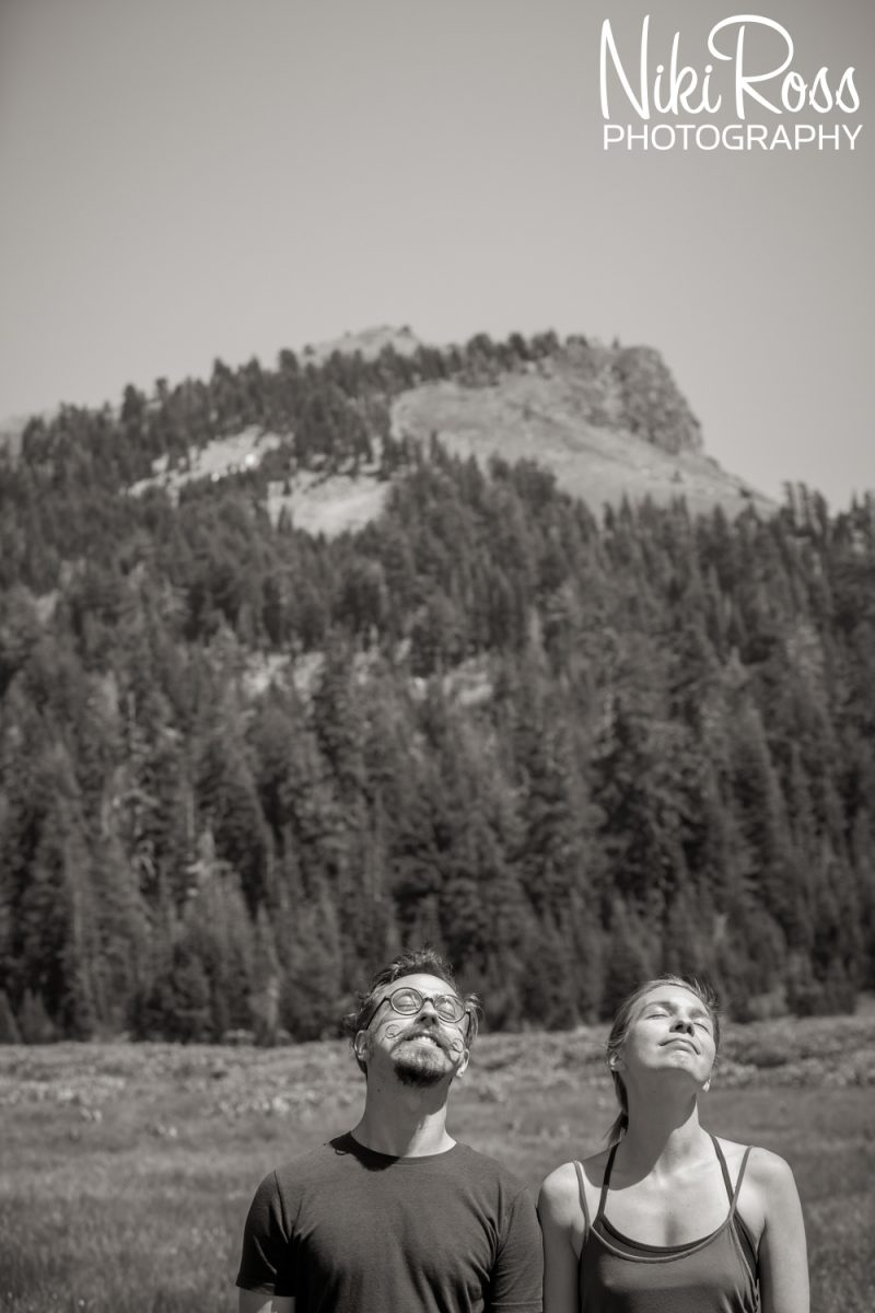 Truckee, CA. Hiking Engagement Session - nikirossphotography.com